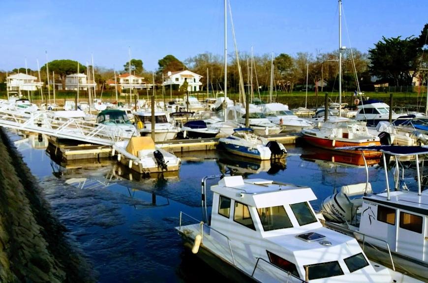 La villa Glen-Tara, Bassin d'Arcachon - port de Fontainevieille